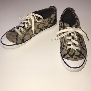 Coach tennis shoes size 8.5 great condition